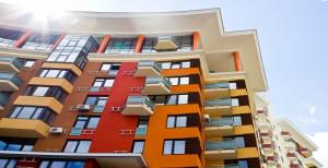 Безопасные вложения в недвижимость: что нужно знать о застройщике